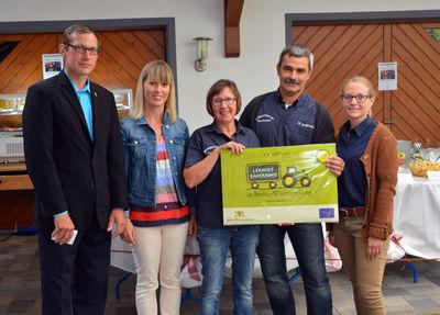 Von links nach rechts: Jörg Hettich, Anja Jäkle, Ulrike Armbruster, Werner Armbruster und Schwiegertochter Patricia Armbruster. Foto: LRA