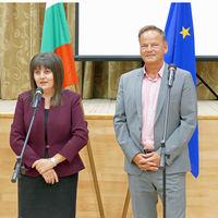 Landrat Frank Scherer und Gouverneurin Albena Georgieva begrüßten gemeinsam die zahlreichen Besucher.