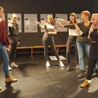 Die jungen Schauspielerinnen beim Theaterworkshop in Offenburg